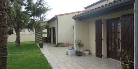 Maison Saint Vivien 6 pièce(s) 154 m2