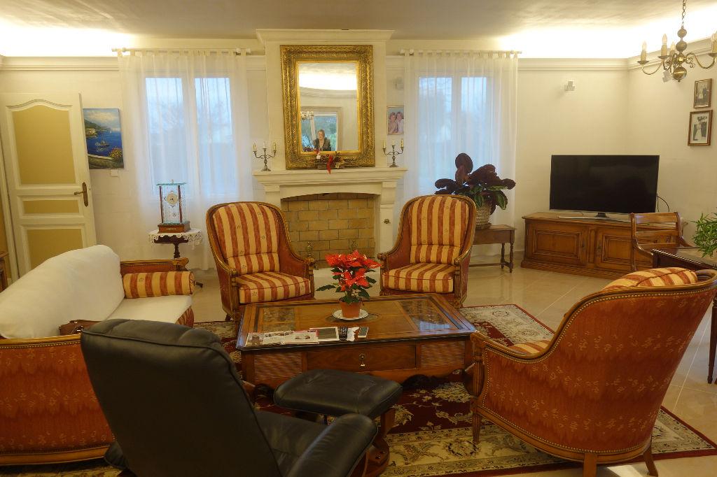Maison Salles Sur Mer 11 pièce(s) 443 m2