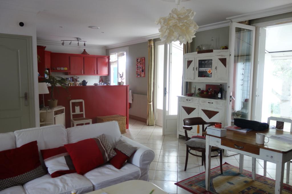 (Français) Maison Thaire 9 pièce(s) 122 m2