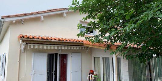 Maison Saintes 4 pièce(s) 90 m2